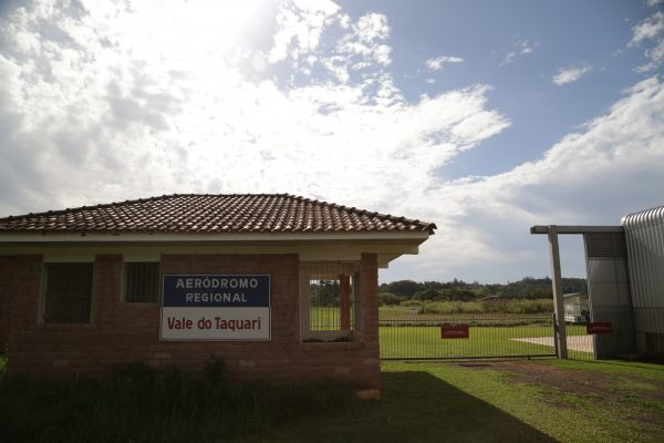Estrela solicita investimentos  no Aeródromo à bancada federal