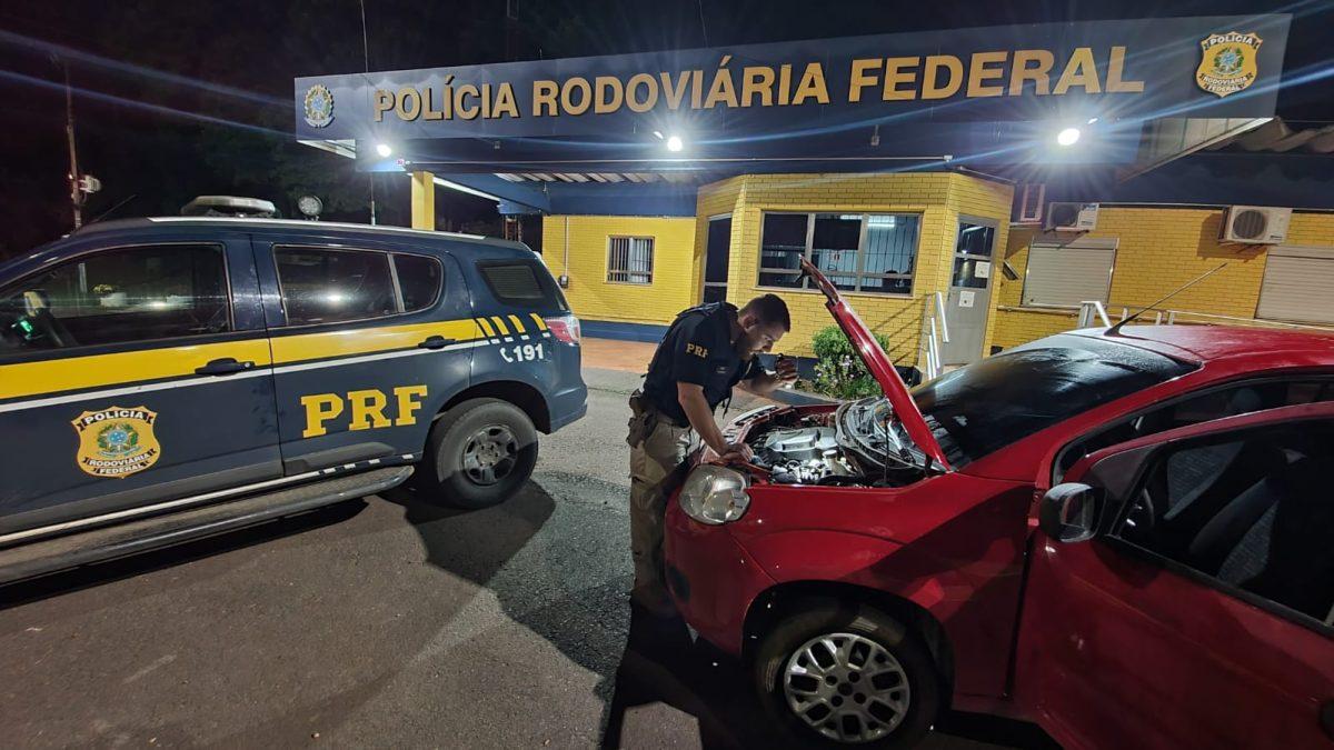 PRF prende casal com carro clonado em Lajeado